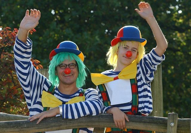 Clowns circus 2278906 640